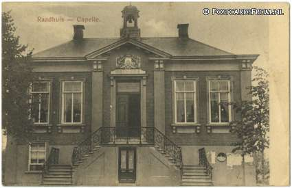 ansichtkaart: Sprang-Capelle, Capelle. Raadhuis